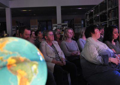 04.Publikum in der Bibliothek